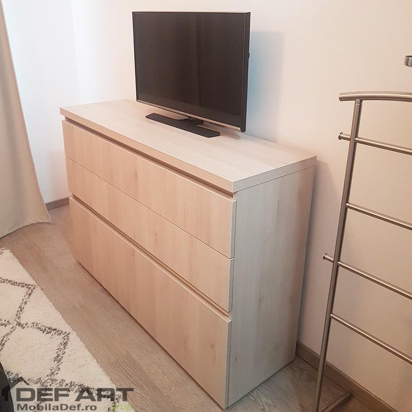 Comoda tv dormitor